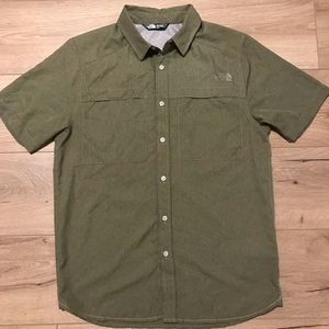 The North Face Short Sleeve Ultralight Woven Shirt